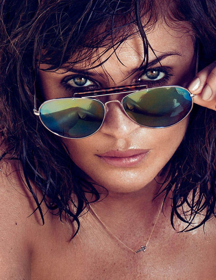 HELENA_CHRISTENSEN_by_Xavi_Gordo_04