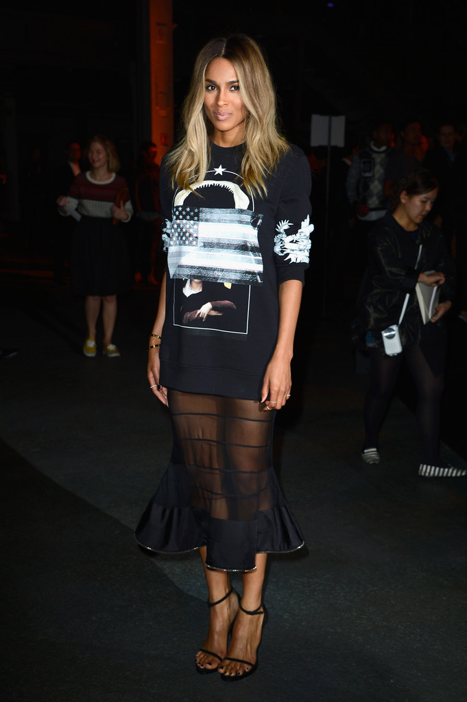Ciara+Givenchy+Front+Row+Paris+Fashion+Week+cTMNBdl_RMSx