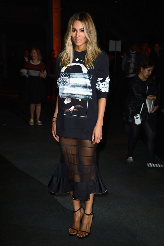 Ciara+Givenchy+Front+Row+Paris+Fashion+Week+cTMNBdl_RMSx