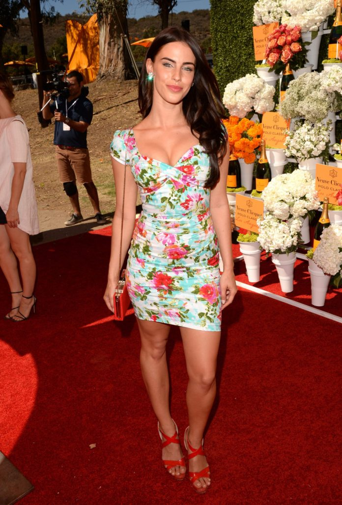 Jessica-Lowndes---The-4th-Annual-Veuve-Clicquot-Polo-Classic-in-LA--01