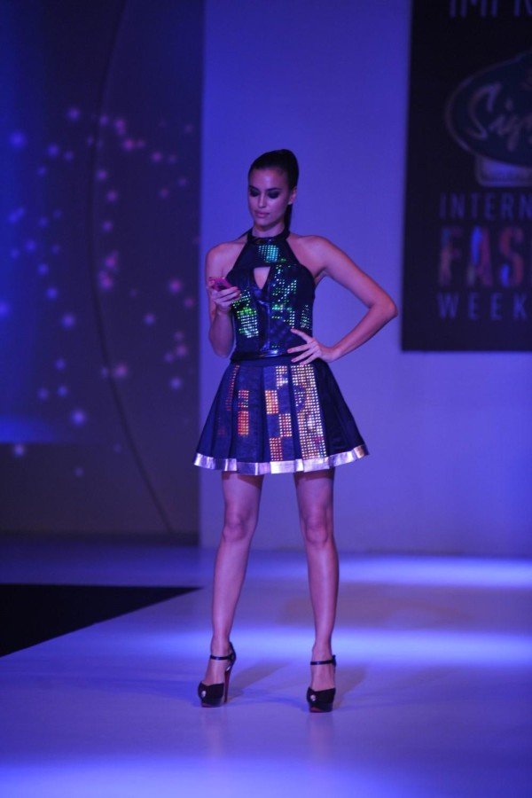 Model Irina Shayk during the Signature International Fashion Week End in Mumbai on November 16, 2013. (Photo: IANS)