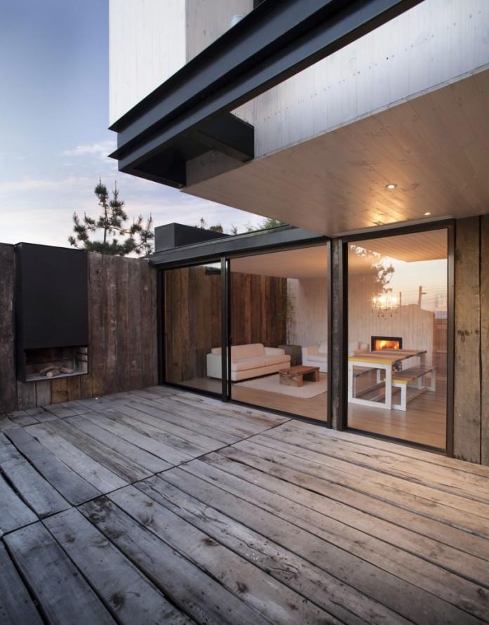 M-House-03-800x1024