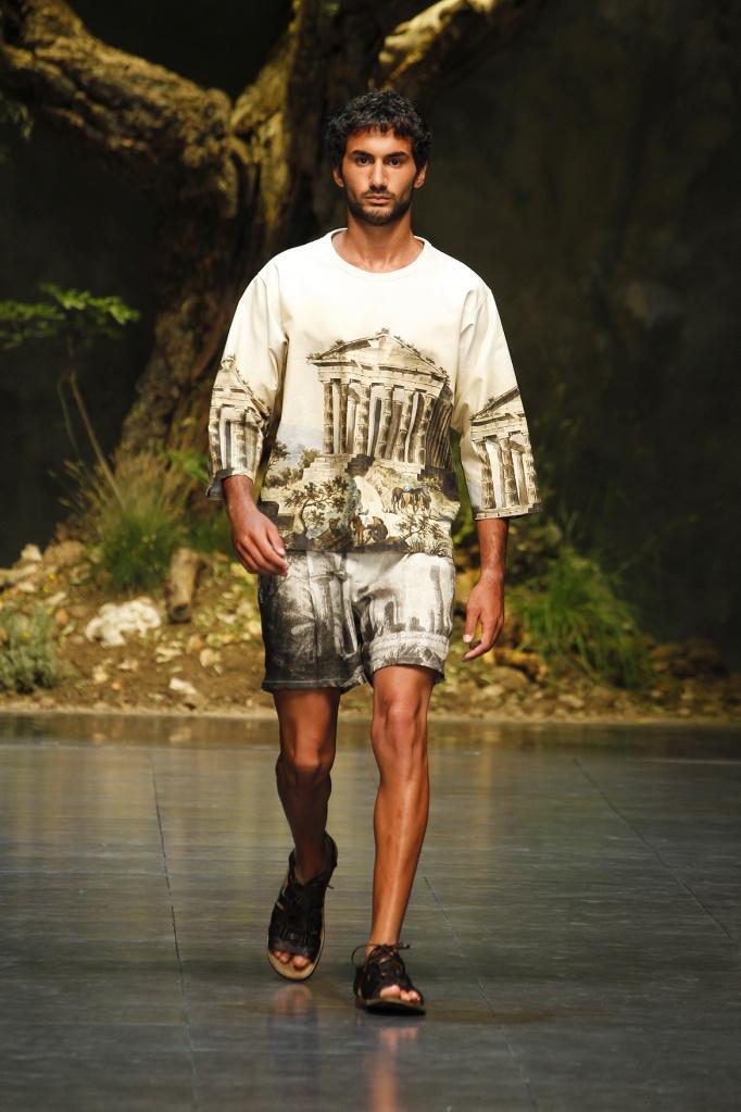 dolce-and-gabbana-ss-2014-men-fashion-show-runway-01-zoom