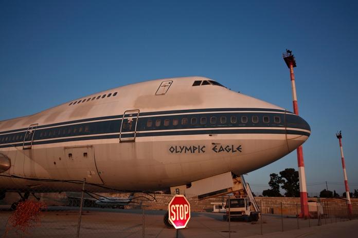 abandoned-plane-athens